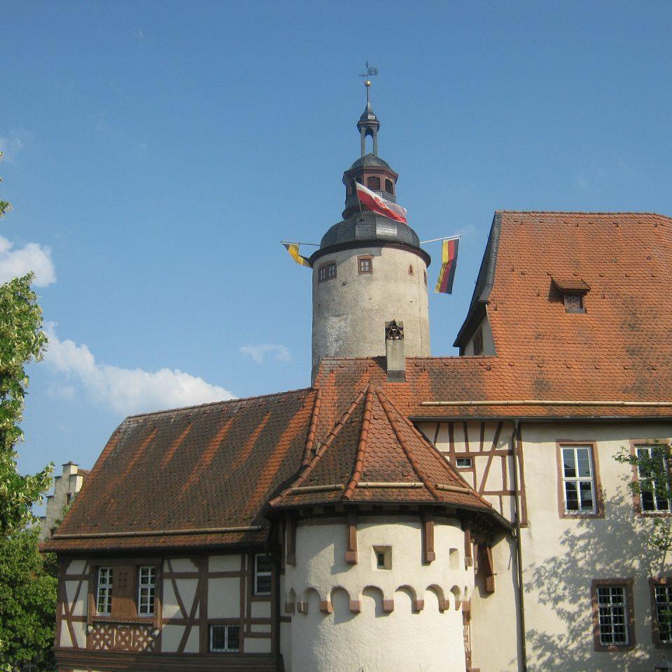 castle-214905_1920